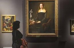 Galeria Uffizi, em Florença (Itália), é um dos mais famosos do Mundo, pelas suas coleções de esculturas e pinturas de artistas como Giotto, Botticelli, Leonardo Da Vinci, Raffaello, Michelangelo e Caravaggio