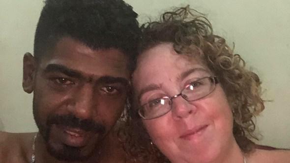 Deixa marido por jovem de 24 anos e acaba enganada, roubada e abandonada