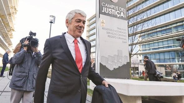 MP admite chamar Sócrates a depor no processo EDP
