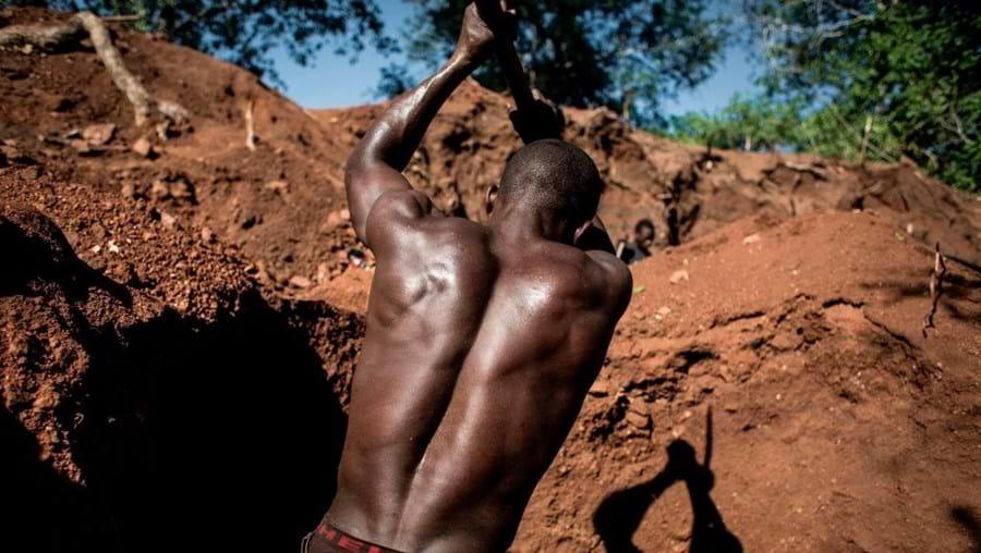 Mina de rubis em Moçambique