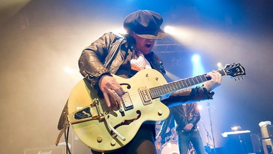 Guitarrista Sylvain Sylvain da banda New York Dolls morre aos 69 anos