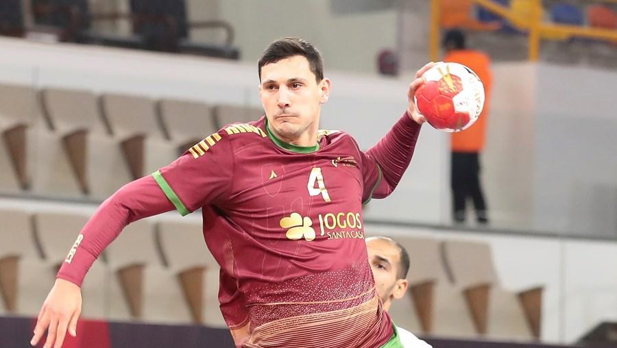 Portela, com nove golos, foi eleito o homem do jogo