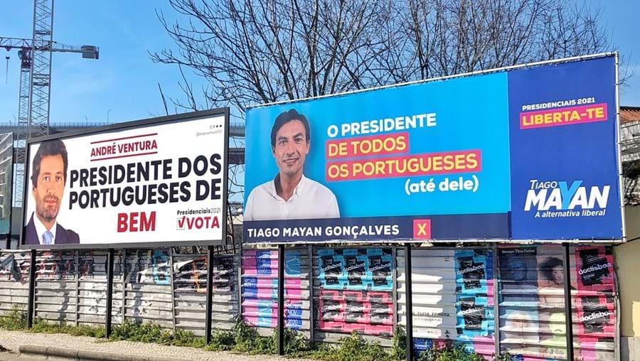 'O Presidente de todos os portugueses (até dele)': Tiago Mayan provoca Ventura com 'outdoor'