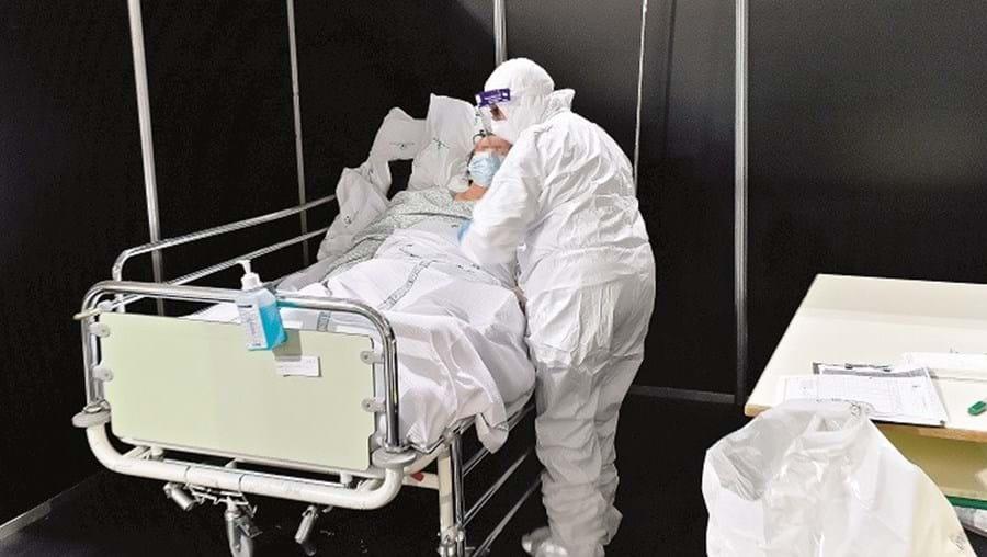 Aumento  do número  de infetados  está a causar  o caos nos  hospitais  portugueses