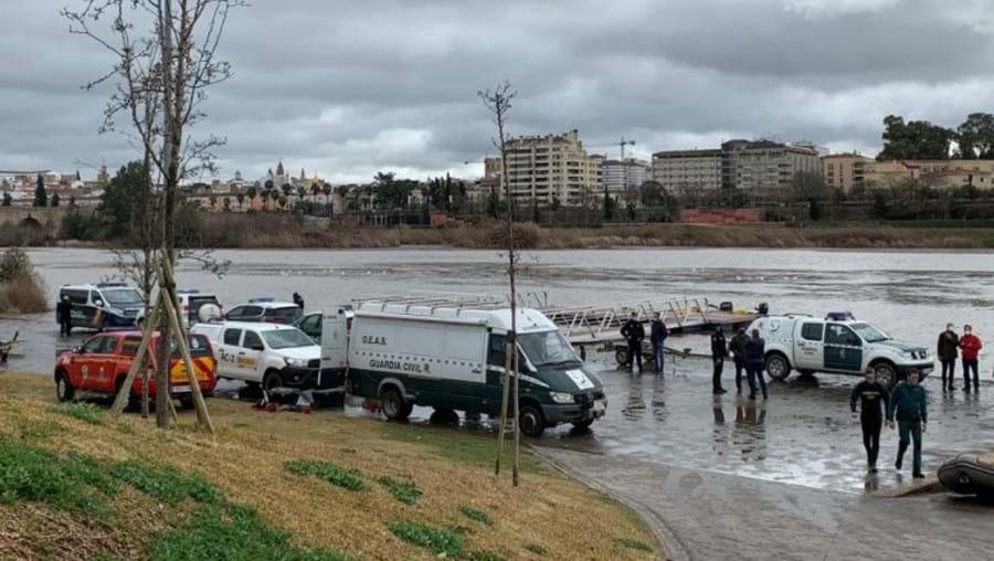 Acidente com barco mata três trabalhadores que limpavam o rio Guadiana em Badajoz