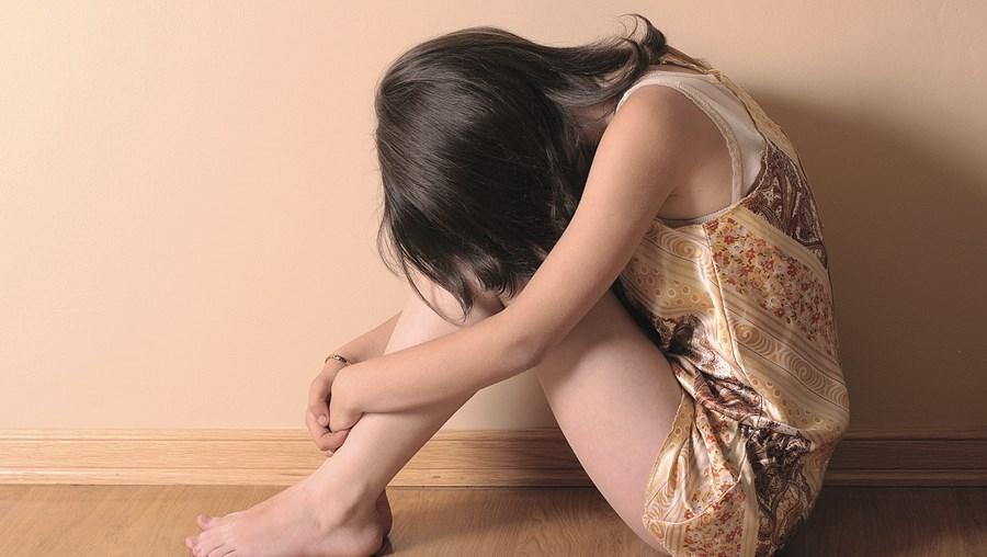 Menina começou a ser abusada quando tinha 12 anos. Conseguiu coragem para denunciar na escola