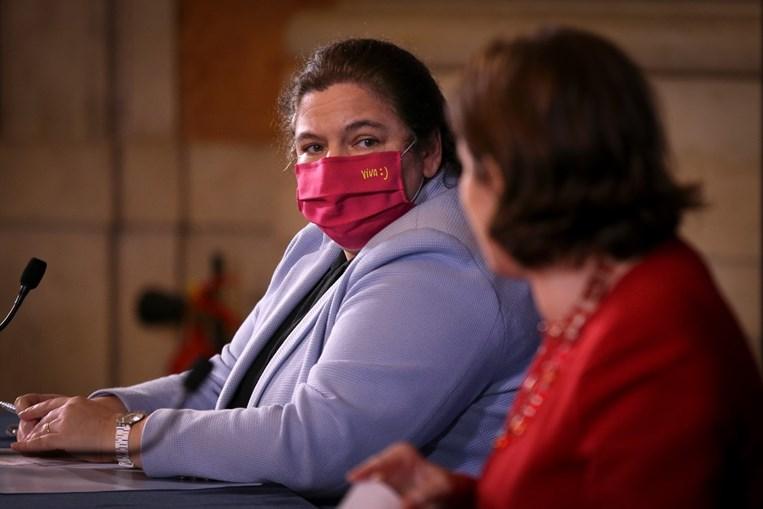 Alexandra Leitão garantiu esta quarta-feira que os funcionários públicos que receberão aumentos salariais este ano não vão perder rendimento líquido à custa do IRS.