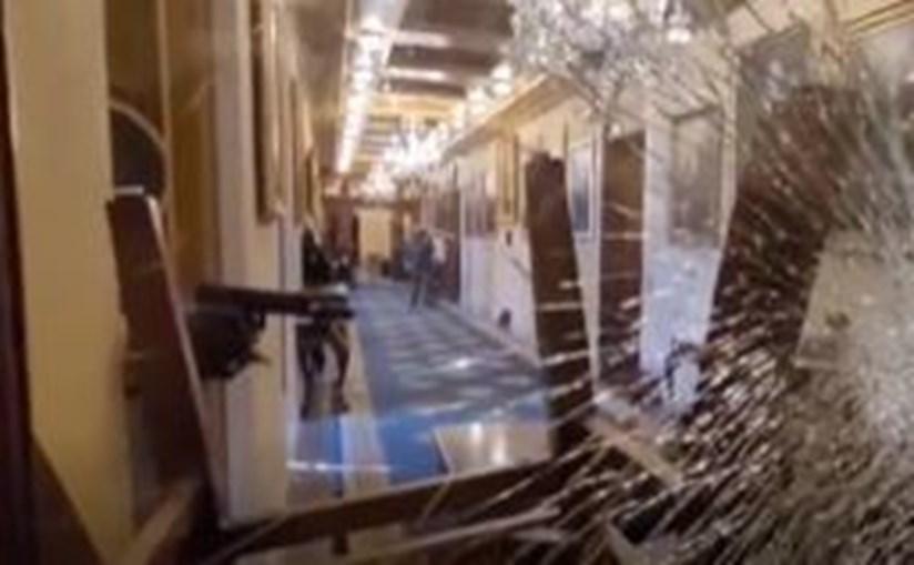 Imagens mostram momento do disparo que atingiu mortalmente uma mulher no Capitólio