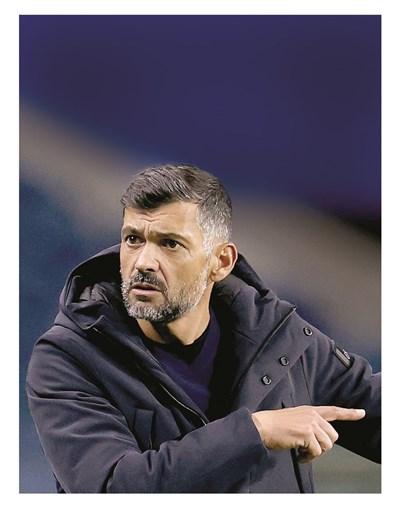 Técnico portista quer manter a equipa na senda das vitórias em Famalicão para atacar o primeiro lugar da Liga, onde pretende chegar o mais rápido possível