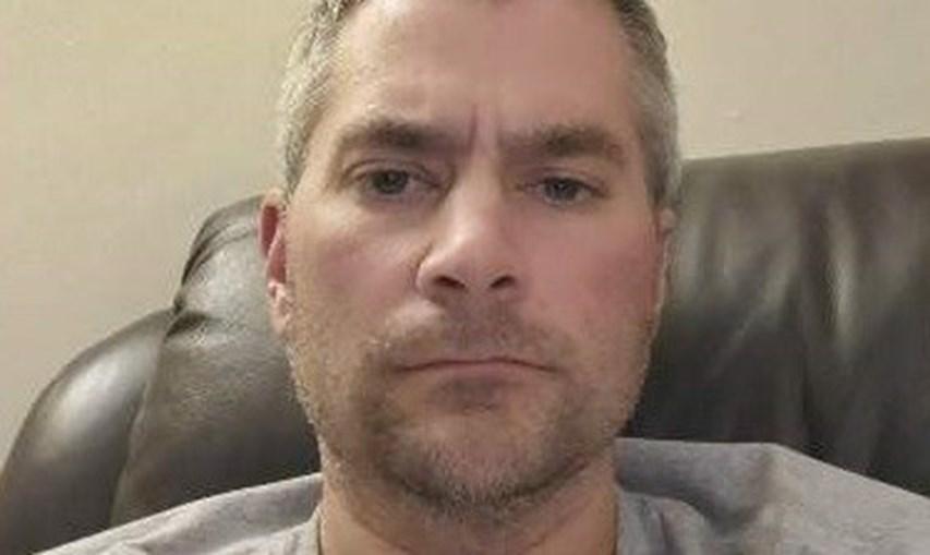 Brian D. Sicknick tinha 42 anos e era apoiante de Trump. Morreu após ser agredido a defender o Capitólio de invasão