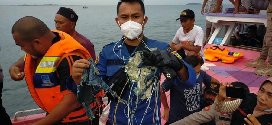 Destroços encontrados serão do voo SJ182