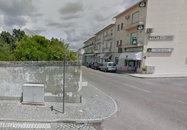 Local onde ocorreu o roubo do carro com a criança no interior