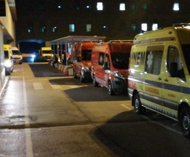 Fila de ambulâncias no hospital de Vila Franca de Xira