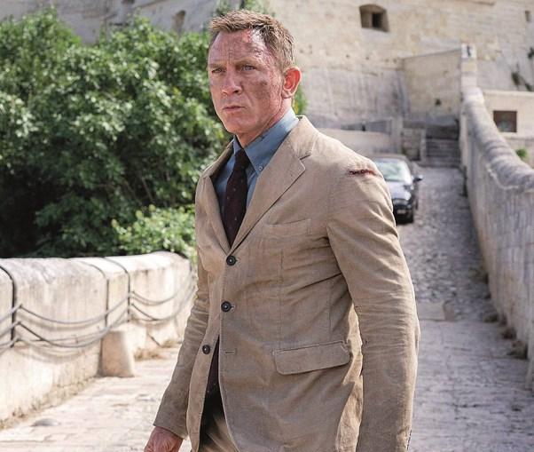 Daniel Craig volta a interpretar James Bond em '007: Sem Tempo para Morrer'