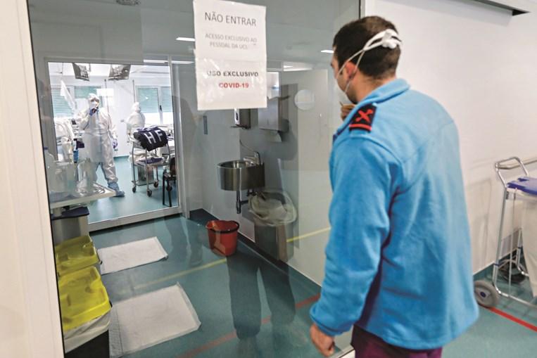 Salas de pressão negativa do HFAR/Lisboa, onde estão doentes Covid-19