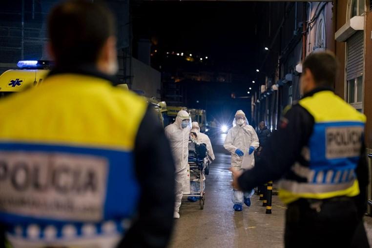 Agentes da PSP escoltaram a transferência de doentes do hospital Amadora-Sintra para outros hospitais