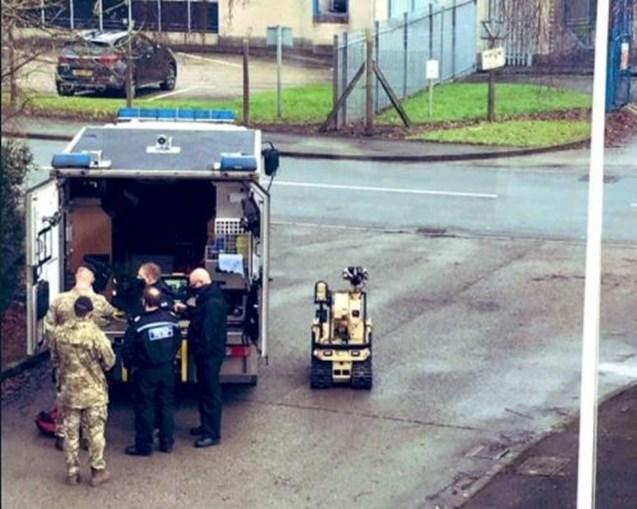 Polícia britânica investiga pacote suspeito em fábrica de vacinas contra a Covid-19