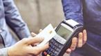 Casal gasta 950 euros de cartão furtado