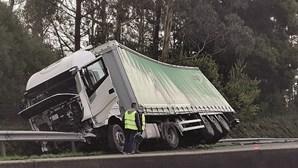 Caos na A29 após acidentes em série