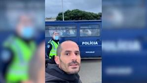 Homem passeia sem máscara e desafia PSP em Vila do Conde. Veja as imagens