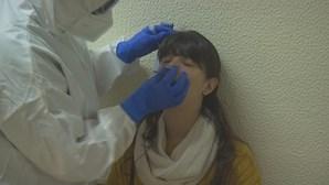 Número de infeções por Covid-19 com novo máximo na semana passada, alerta OMS