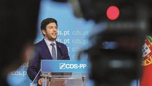 "Líder do CDS-PP quer que ""plano de desconfinamento controlado para o futuro"""