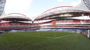 Benfica recebe Rio Ave a tentar recuperar terreno para o FC Porto