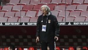"""""""Covid arrasou o Benfica"""": Jesus quase se emocionou e diz que equipa está """"a tempo de recuperar"""""""