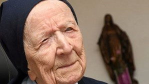 """""""Nem percebi que estava infetada"""": Freira com quase 117 anos recupera da Covid-19"""
