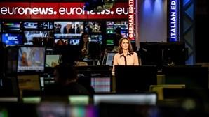 Trabalhadores em greve de 24 horas contra despedimentos no canal Euronews