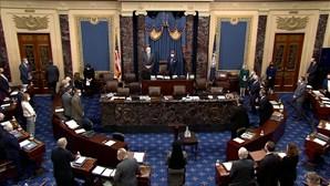 Julgamento do impeachment de Trump declarado constitucional com 56 votos a favor e 44 contra