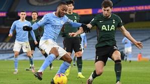 Manchester City afunda Mourinho na Liga inglesa