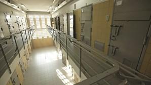 Cadeias vão testar presos à Covid-19 antes de os transferir
