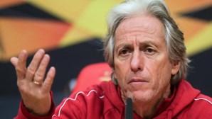 """""""Sair pelo meu pé? Esta crise não tem nada a ver comigo"""", diz Jorge Jesus sobre situação no Benfica"""