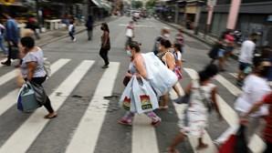 Brasil aproxima-se dos 15 milhões de casos de Covid-19 e 415 mil mortos desde início da pandemia