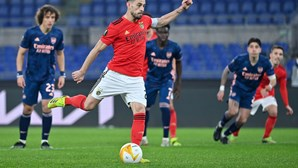 Benfica de voo curto empata com o Arsenal