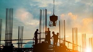 Patrões trabalharam mais do que empregados em 2020, revelam estatísticas