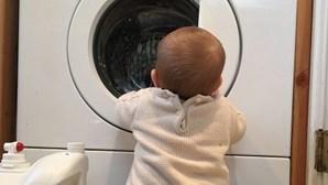 Criança encontrada morta dentro de máquina de lavar roupa