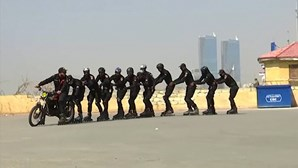 Polícias do Paquistão vão combater o crime de patins