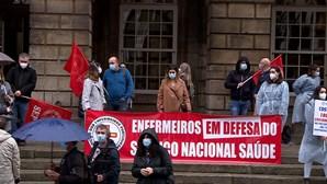 Enfermeiros protestam no Porto contra precariedade da profissão no país