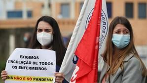"""""""SNS não é só pandemia"""": Enfermeiros protestam em várias cidades contra precariedade da profissão. Veja as imagens"""