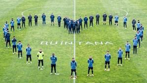 """""""Juntos com a família de Quintana"""": FC Porto presta homenagem a guarda-redes de andebol do clube"""