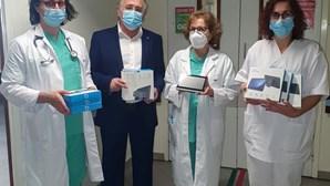 Projeto combate isolamento social de doentes internados com videochamadas