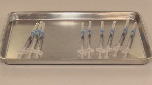 Madeira retoma vacinação contra Covid-19 após paragem de duas horas