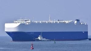 Explosão em navio israelita no golfo de Omã sem vítimas nem causa conhecida