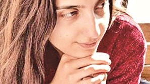 """""""Vi como cortar dedos na TV"""": Tribunal reproduz declarações de ex-namoradas assassinas para detetar contradições"""