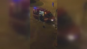 Homem alcoolizado na rua agride bombeiros e acaba multado pela GNR por violar confinamento