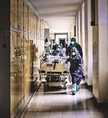 O Hospital de Santa Maria, em Lisboa, anunciava 'máxima sobrecarga' em janeiro deste ano