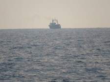 Navio 'Zaire' da Marinha portuguesa realiza ações de apoio a barcos atacados por piratas no Golfo da Guiné
