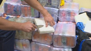 Avião onde foram apreendidos 587 quilos de cocaína no Brasil na mira da Judiciária